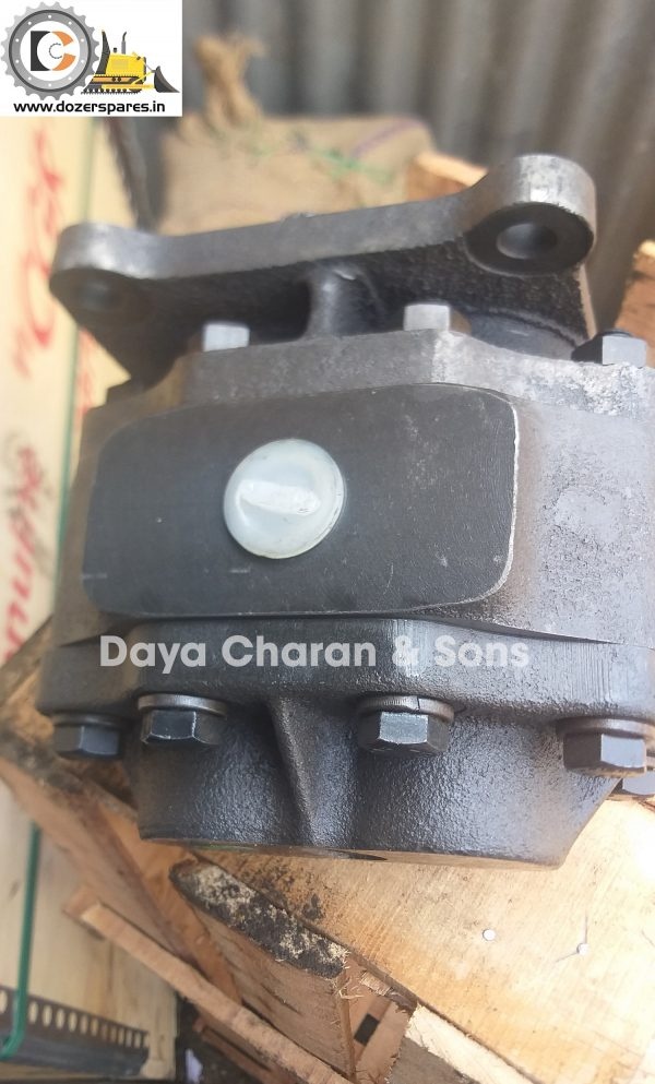 Clutch pump - D50 Bulldozer